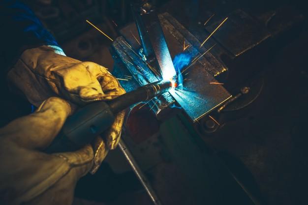 electric-metal-welding-closeup_1426-1354